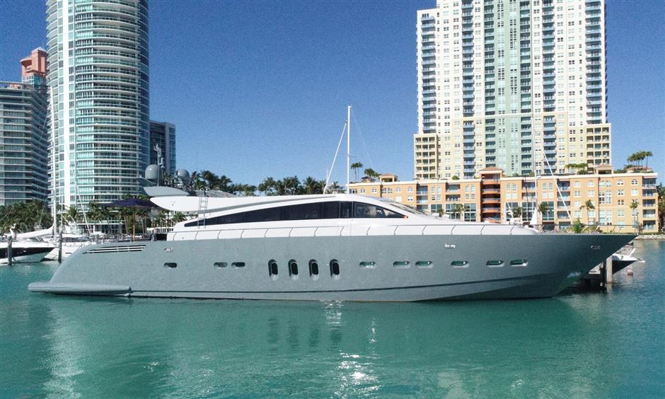 Veloce 101 Leopard Express Yacht satisfies need for speed