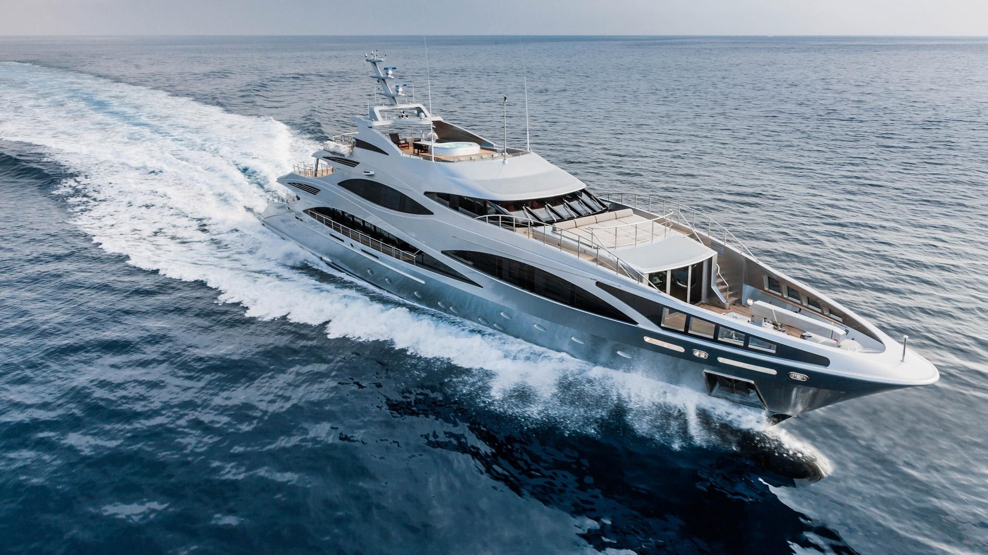 Benetti Yachts Full Screen Picture