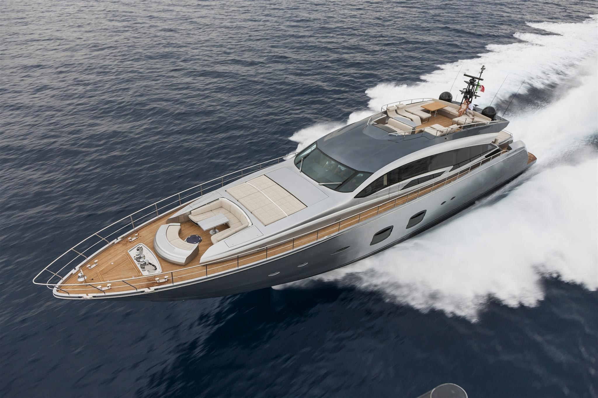 Pershing Yachts Full Screen Picture