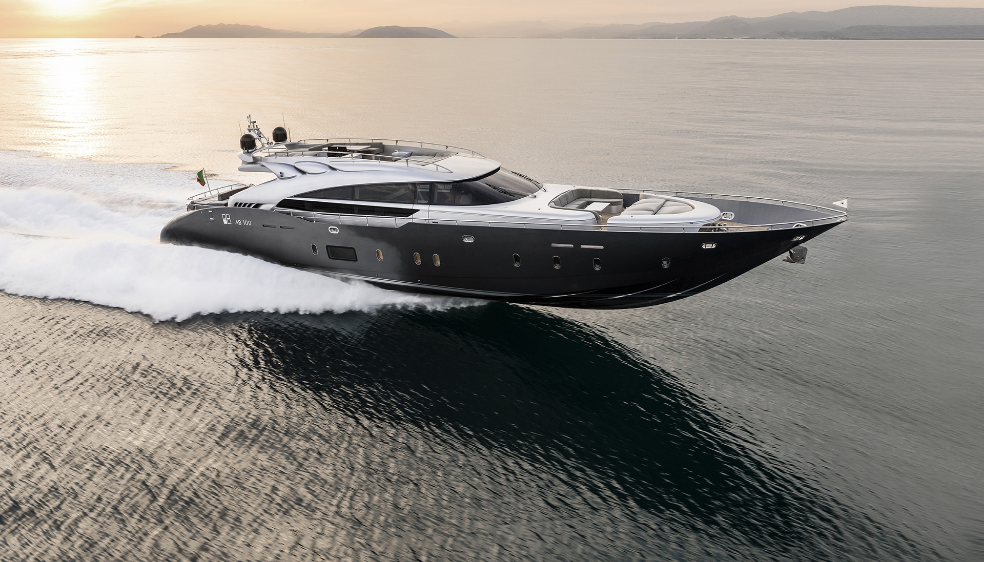 AB Yachts Full Screen Picture