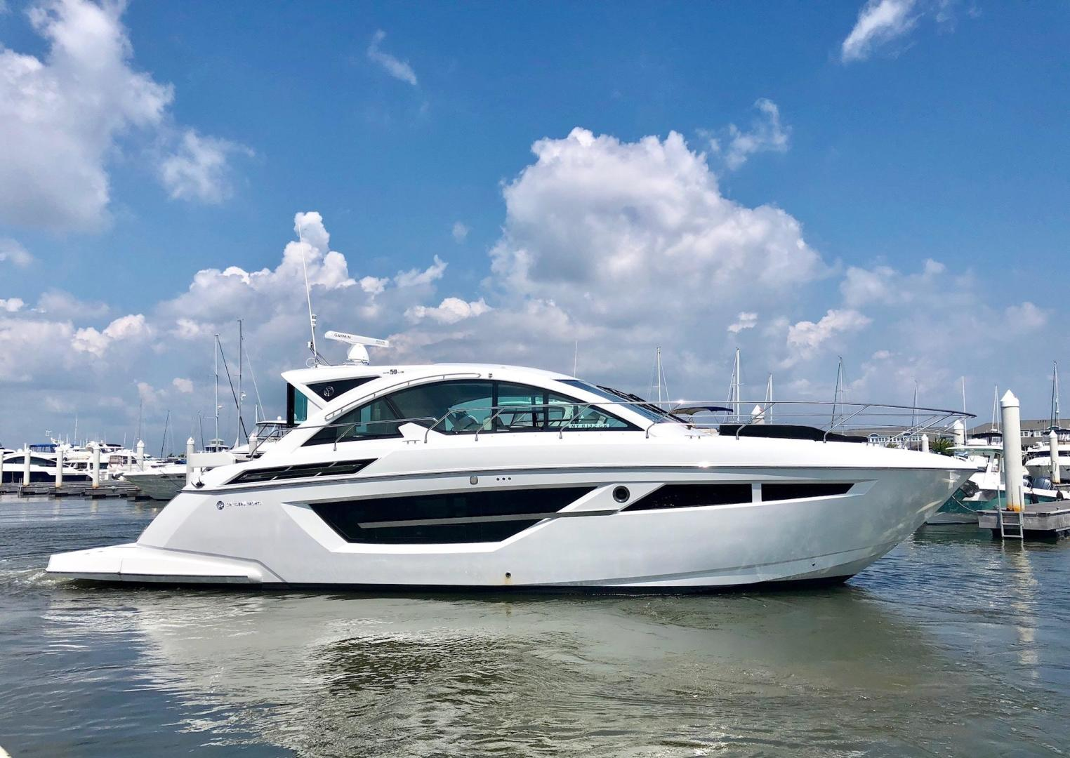 Cruisers Yachts Full Screen Picture