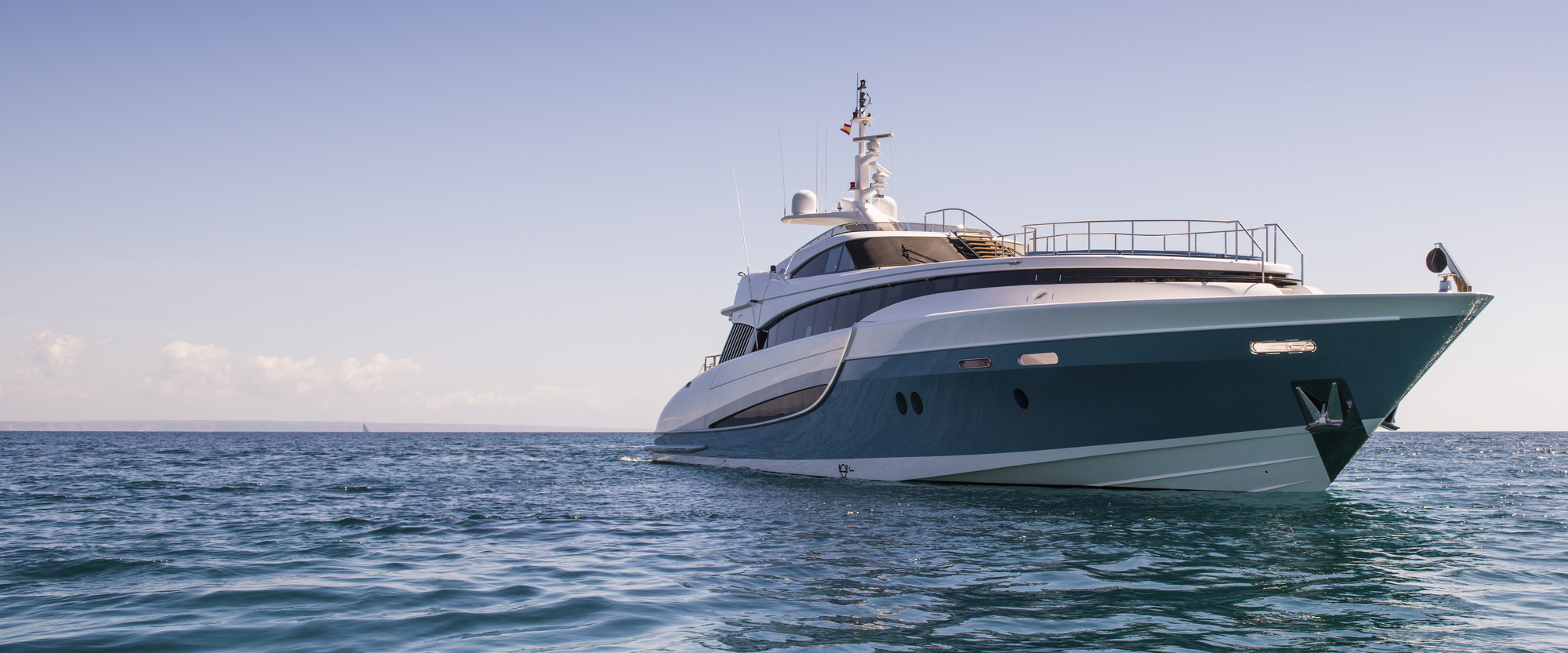 Evolution Yachts Full Screen Picture