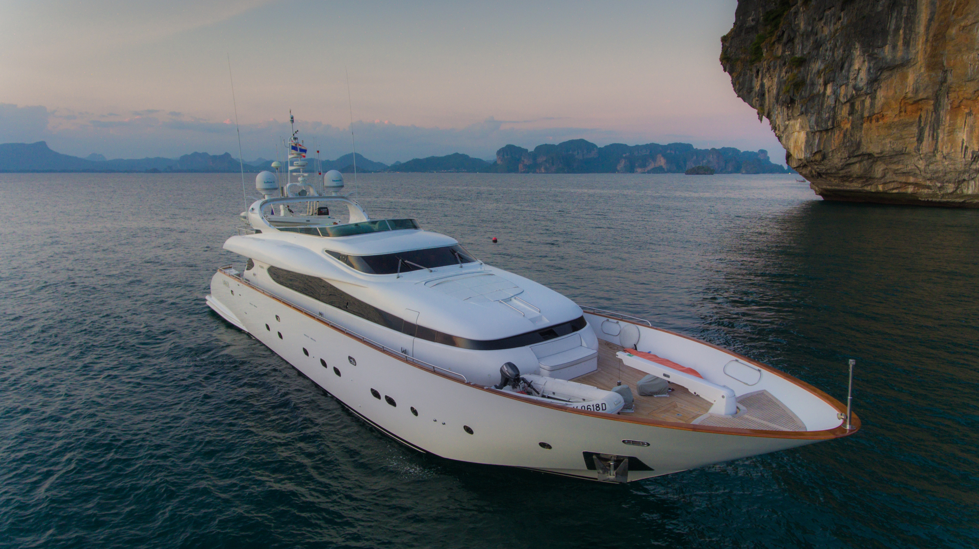 Maiora Yachts Full Screen Picture