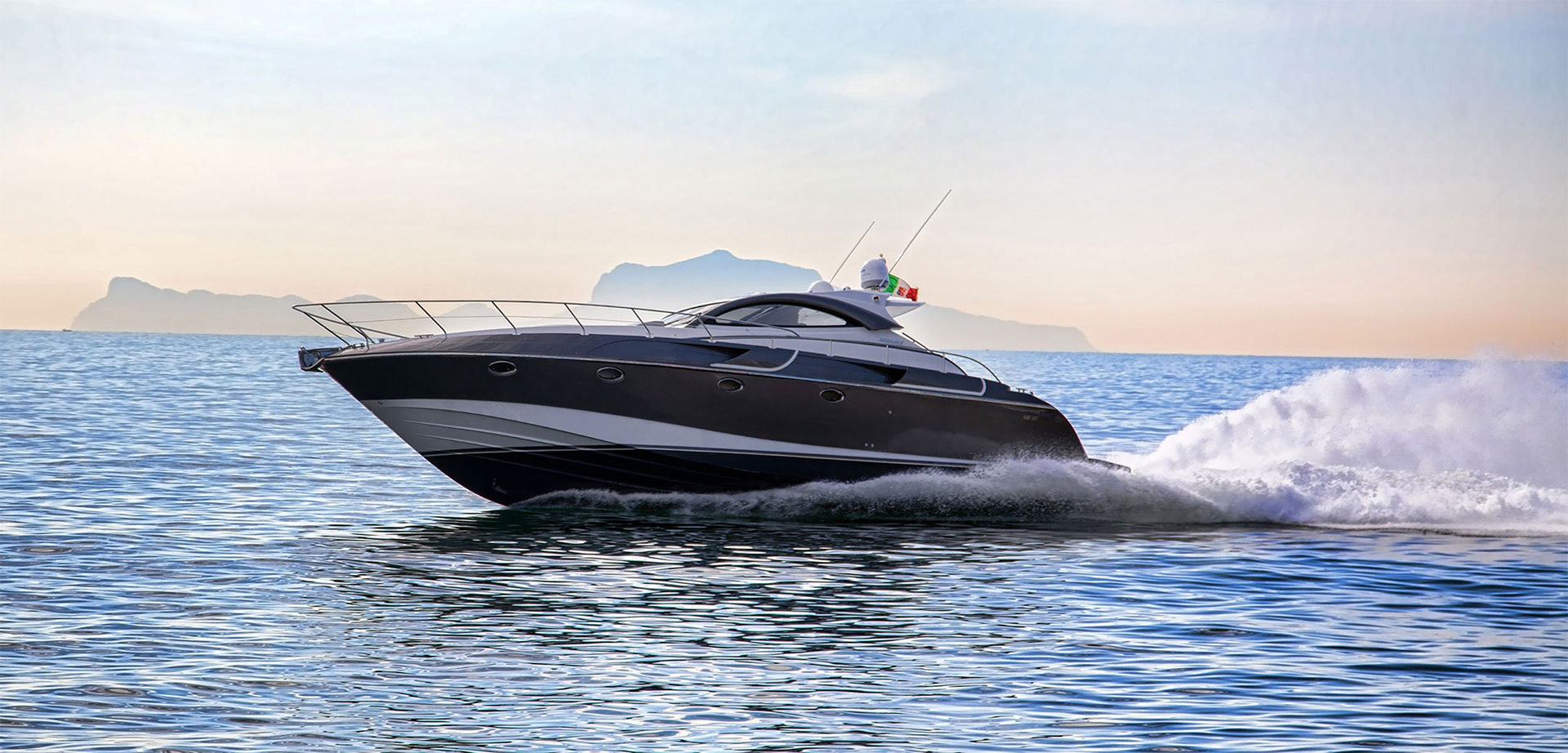 Rizzardi Yachts Full Screen Picture