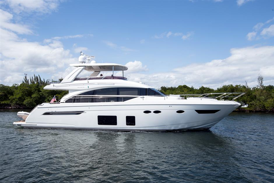 10 000 price reduction on this beautiful used 68 Princess 68 motor yacht
